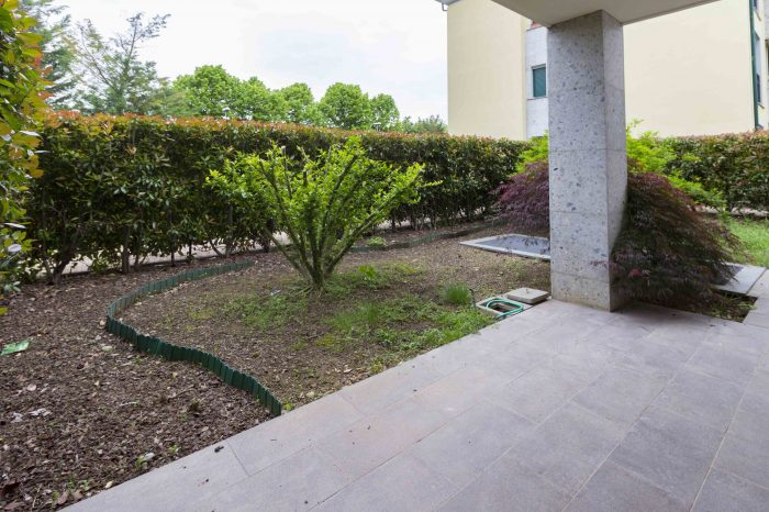 foto correzzana giardino soggiorno